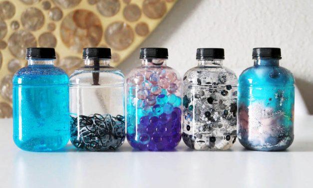 Cómo hacer botellas sensoriales para bebés